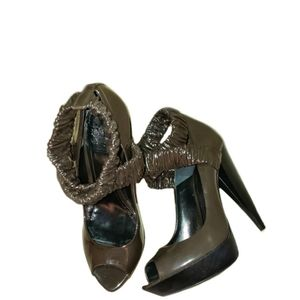 Burberry Patent Leather Green Stretch Ankle Heels